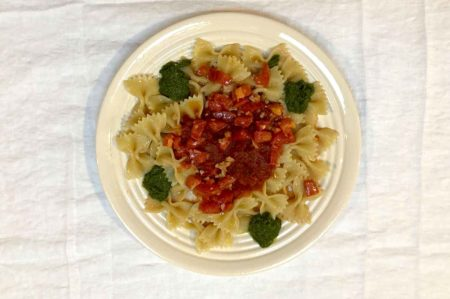 italian vegan pasta recipe with tomatoes and pesto