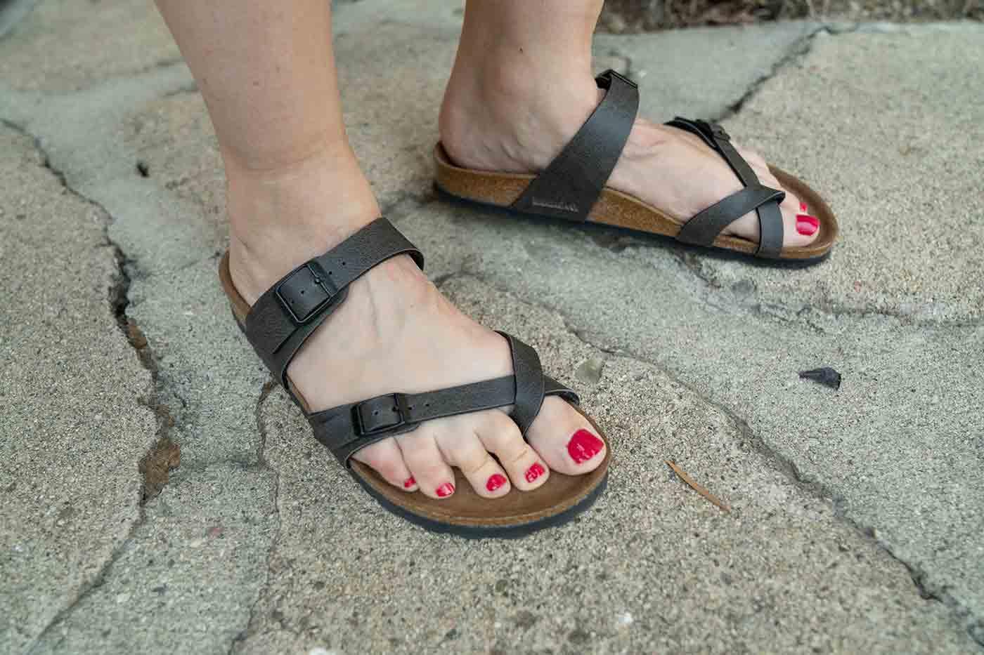 Mayari style vegan Birkenstock sandals in anthracite